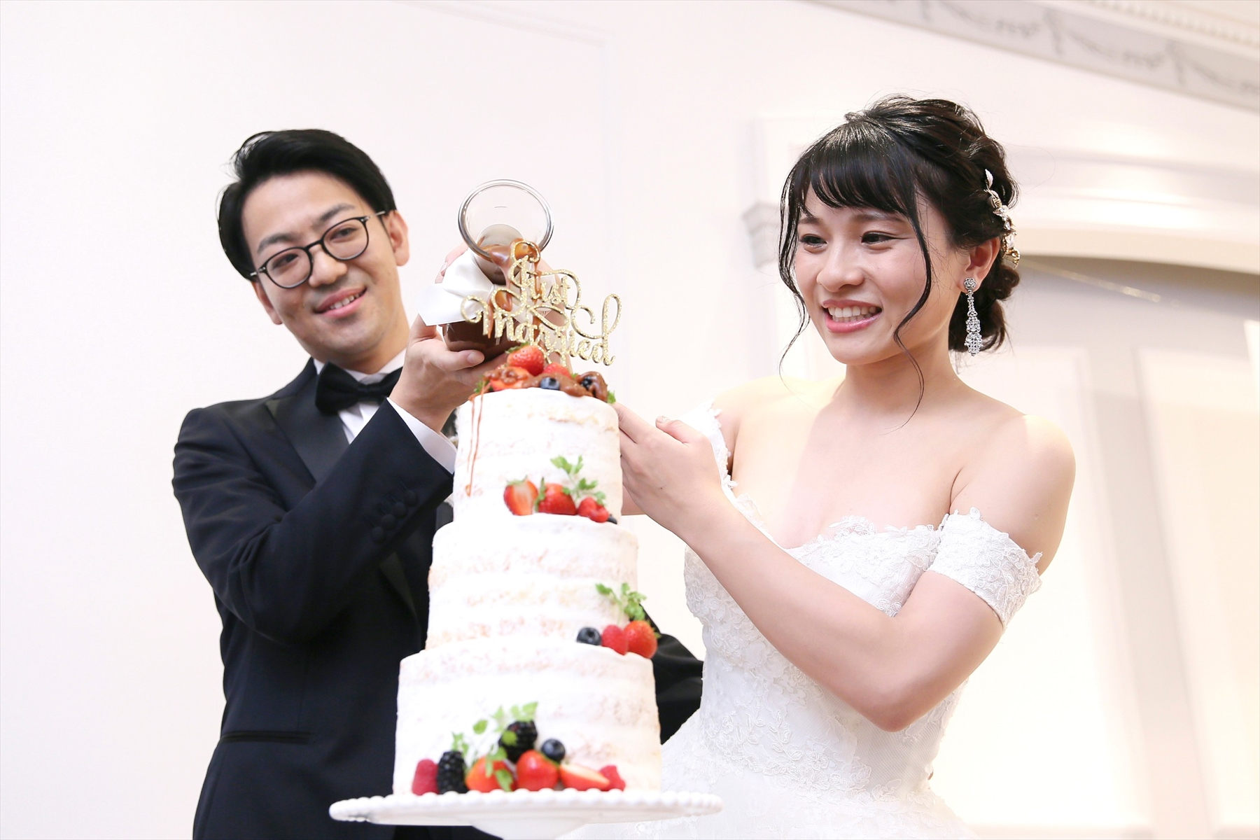 アニバーサリーアン恵比寿 カップルレポート ウエディングケーキ カラードリップ ご新郎ご新婦