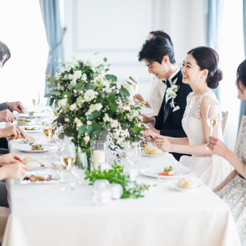 アニバーサリーアン恵比寿 パーティ会場 エスカリエ 新郎新婦 ゲスト 晩餐スタイル 会食